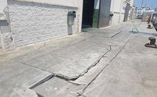 La Junta inicia las obras de emergencia para reparar la lonja del puerto de Carboneras