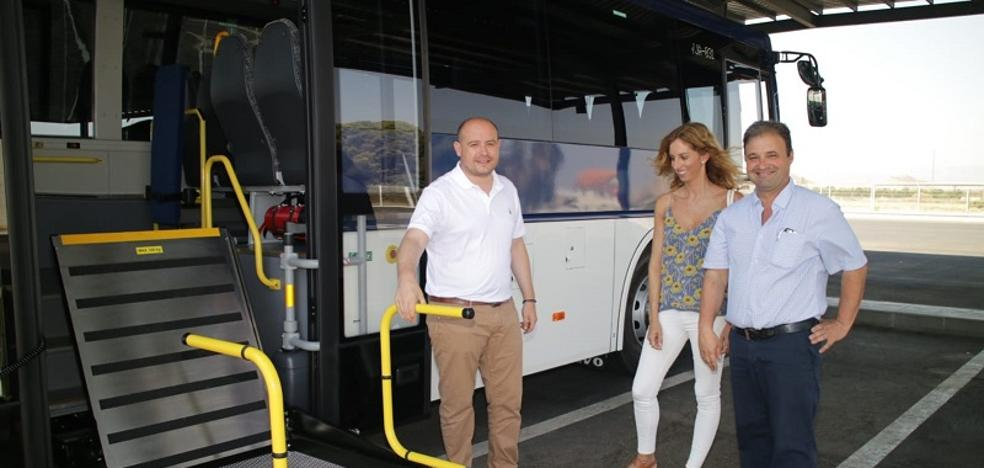 Autocares Baraza incorpora tres vehículos adaptados en el Levante