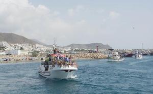 Los pescadores de Carboneras procesionan a la patrona del mar