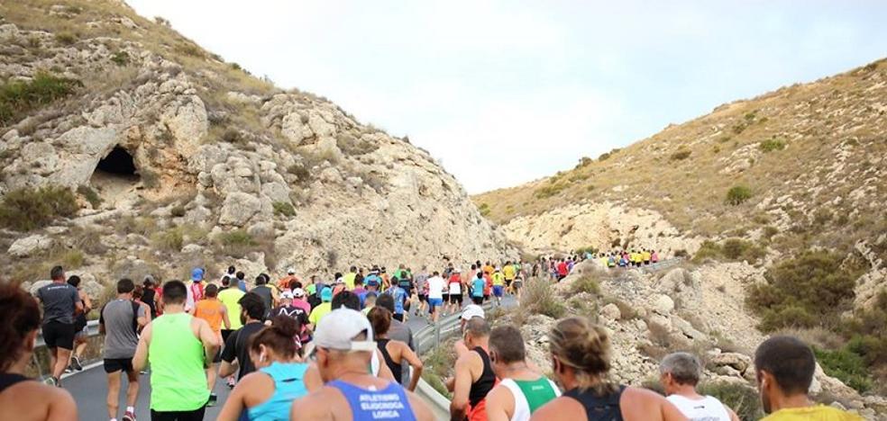 La 32º edición de la 'AguaCarbo' reúne a 800 corredores de toda España