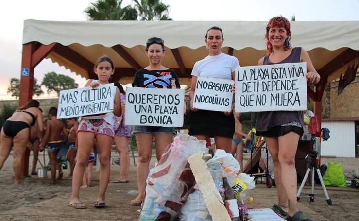 'Mi Playa Bonica' limpia las playas del Levante