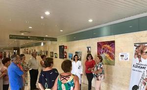 Una muestra pictórica recauda fondos para la Asociación de Alzheimer de Huércal-Overa