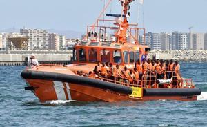 Rescatados nueve varones magrebíes de una patera frente al litoral de Carboneras