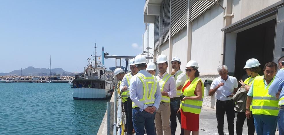 Las obras en el puerto de Carboneras comenzarán «en los próximos días»