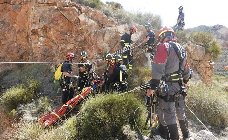 Los bomberos de Almería, más preparados para los rescates en altura