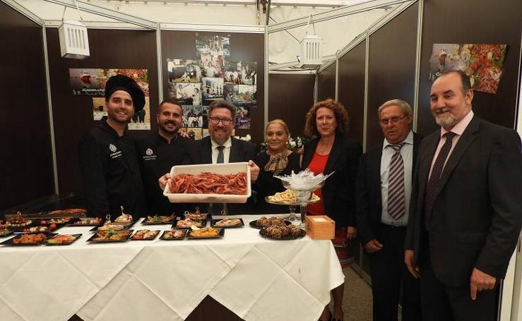 Éxito en la inauguración del I Festival Gastronómico de la Gamba Roja de Garrucha