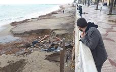 La playa de Garrucha, destrozada por la lluvia