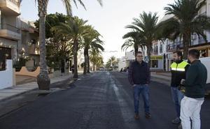 Carboneras repara y mejora la seguridad vial en las avenidas de Almería y del Mar