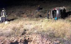 Fallece un hombre de 72 años al caer su coche por un barranco en Huércal-Overa