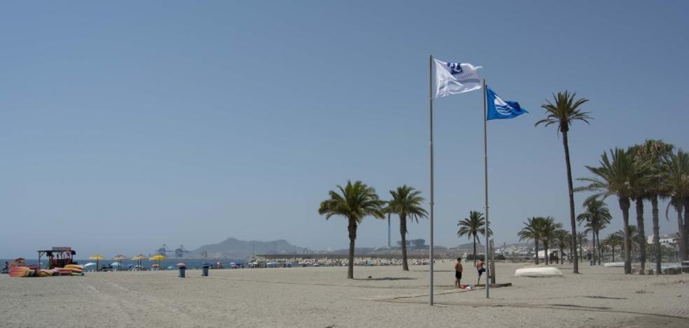 Las playas urbanas de Carboneras, acreditadas con la Q de Calidad Turística