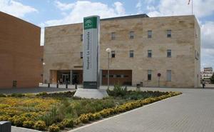 Hasta cinco meses de espera para recibir radioterapia en el Hospital La Inmaculada