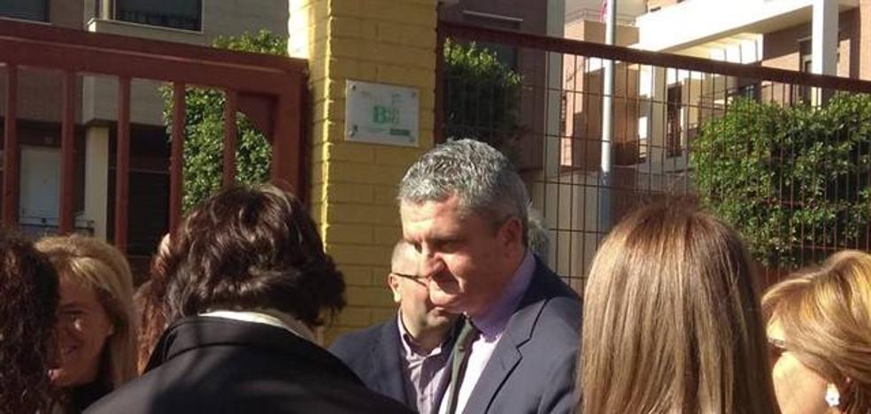 El consejero de Salud reitera su confianza en el nuevo delegado en Almería