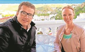 Manuel Zamora y Jessica Dee Simpson se unen para tratar de alcanzar la Alcaldía en Mojácar