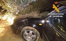 Dos detenidos y un fugado tras perseguir un vehículo que intentó atropellar a los agentes en Vera