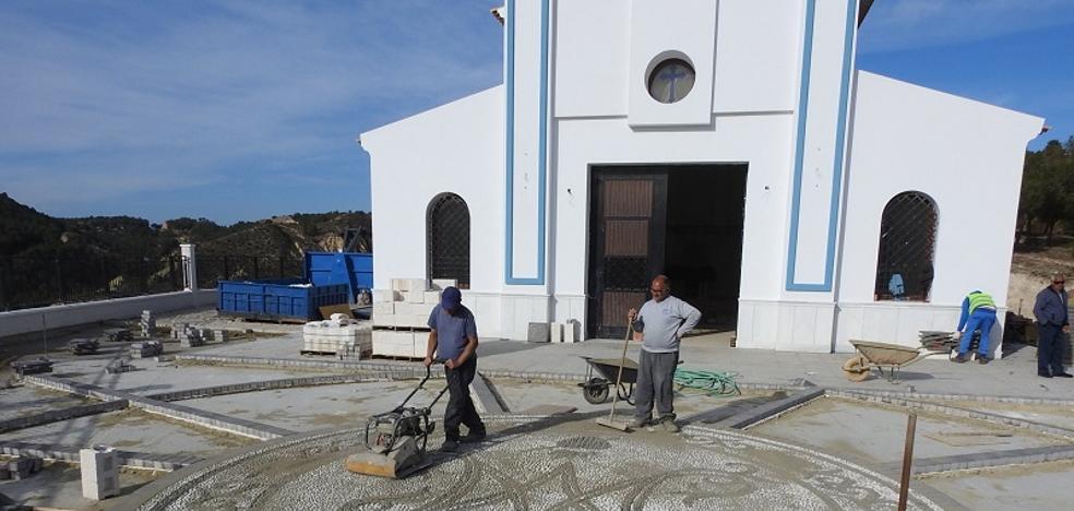 Adecuado el entorno de la nueva ermita para su consagración