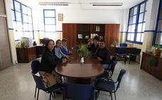 La ecoescuela de Palomares ya disfruta de su nueva sala de profesores 'reciclada'