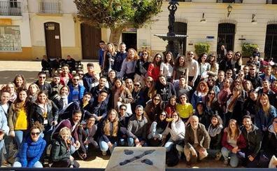 Un centenar de estudiantes Erasmus se dan cita en Vera