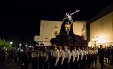El Cristo de la Misericordia triunfa en el Jueves Santo de Carboneras