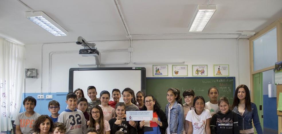 Carboneras ayuda a los alumnos de sus centros educativos a pagar el viaje de estudios