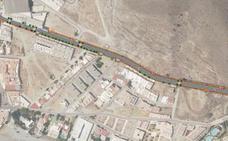 Una glorieta y más aparcamientos, en el acceso norte a Carboneras