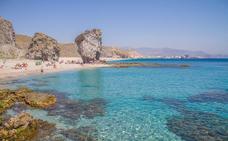La Playa de los Muertos, entre las más bonitas de toda Europa según el diario The Guardian