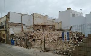 Denuncian la demolición de una casa con problemas de amianto en Vera