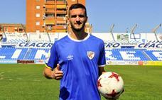 Rodri, tras su renovación: «Quiero estar aquí, en Linares soy feliz y esta es mi casa»
