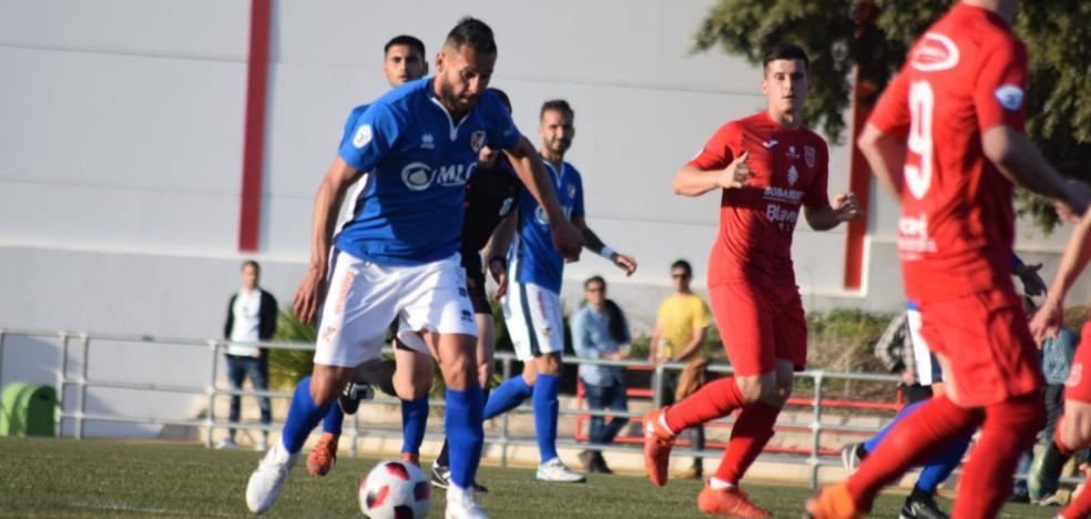 El Linares vence al CD Torreperogil con un gol en el descuento