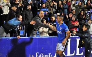 Doce jugadores del Linares tienen su futuro garantizado como azulillos