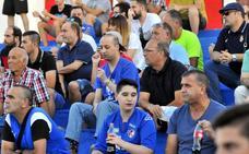 Trescientos azulillos animaron a la plantilla en el entrenamiento