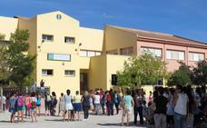 """Los alumnos de Salar no inician el curso en protesta por """"la falta de profesores"""""""
