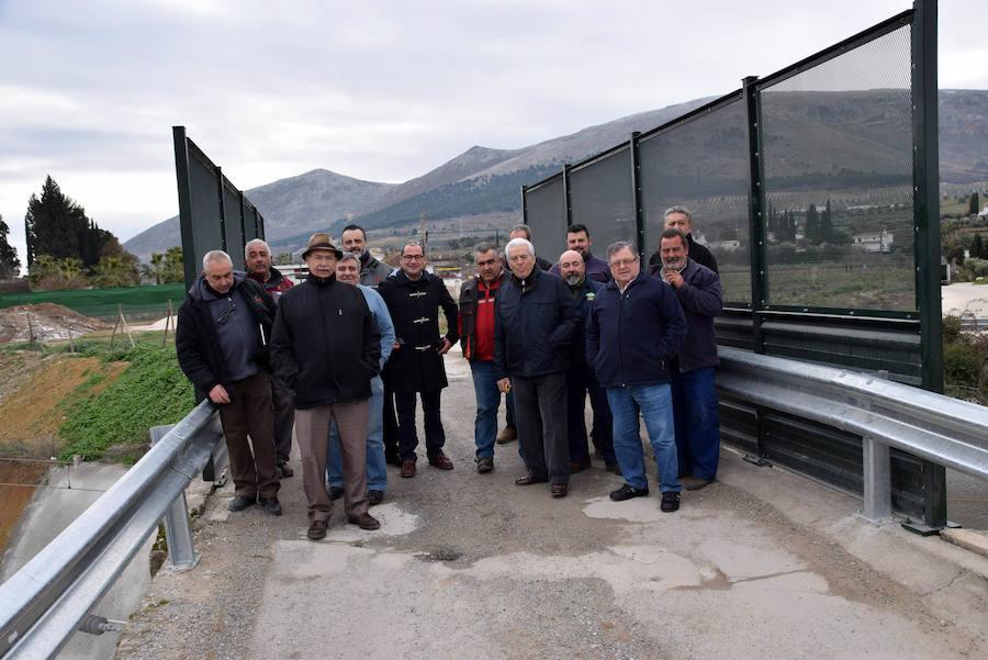 Vecinos de los Jardines de Narváez reclaman un puente más ancho sobre la vía del AVE