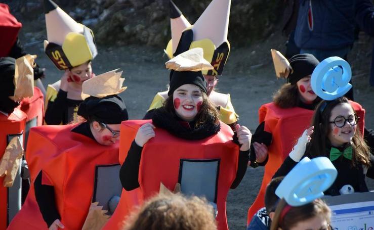 Pasacalles Escolar de Carnaval en Loja