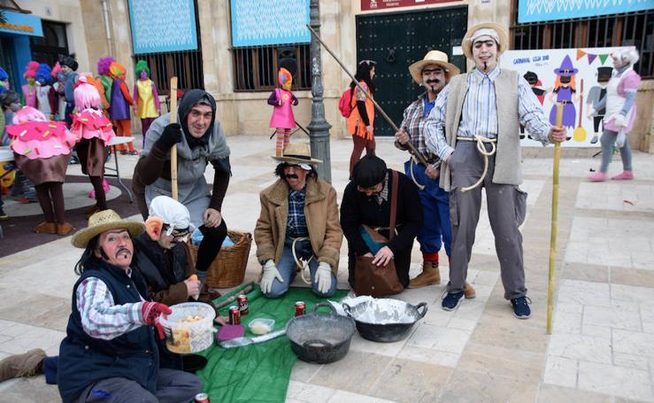 Pasacalles y Fiesta de Carnaval en Loja