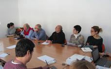 Colectivos sociales y profesionales sanitarios se reúnen para acercar el hospital de Loja a las expectativas ciudadanas