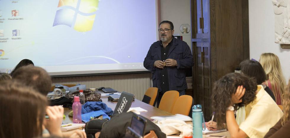 La instalación poética 'Los rostros de la palabra', de Juan María Jiménez, llega a la UGR
