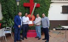 La cruz de la Peña Alcazaba gana el primer premio del concurso municipal