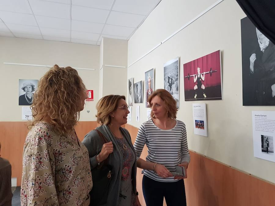 Exposición 'Mujeres transgresoras' en Moclín