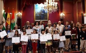 La fundación AguaGranada premia un trabajo de María Moreno, alumna del colegio Elena Martín Vivaldi