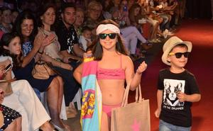 El centro comercial lojeño recibe el verano con una gran pasarela de moda