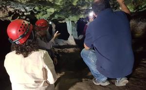 Un grupo internacional de voluntariado estudiará este verano la Cueva de Malalmuerzo, en Moclín