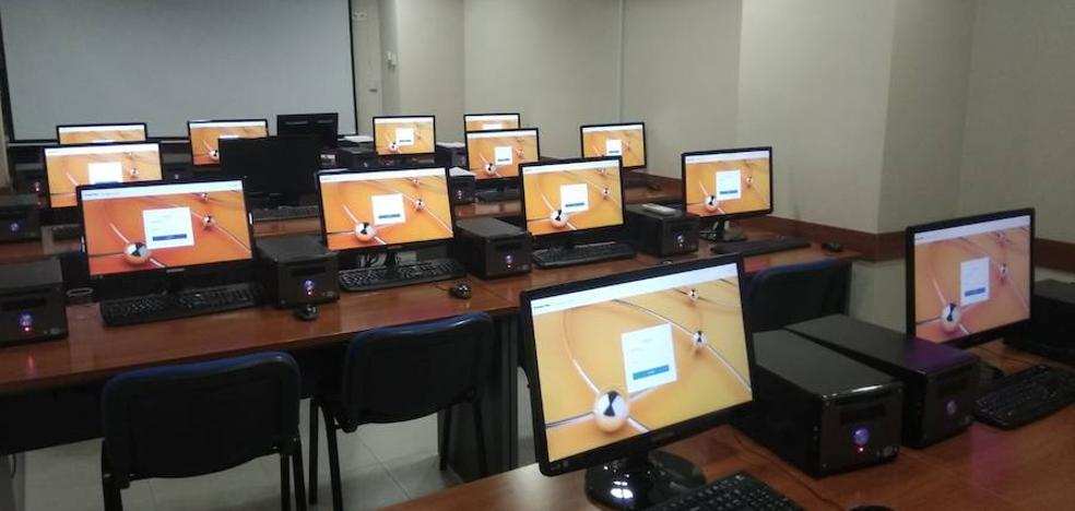 Los vecinos del Poniente podrán hacer en Loja los exámenes de Cambridge a través de ordenador