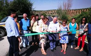 La carretera entre Moclín y Colomera reestrena firme «para mayor comodidad y seguridad de los conductores»