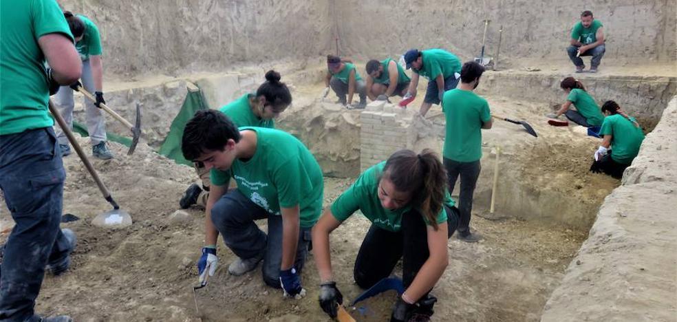 La villa romana de Salar empieza a revelar su riqueza decorativa y la relevancia que tuvo hace 20 siglos