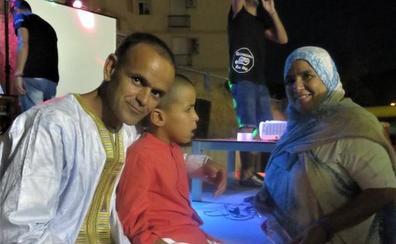 Una fiesta multitudinaria ayuda a niños saharauis con necesidades especiales