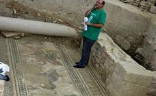 Cultura destaca la colaboración con la villa romana de Salar y anuncia una línea de subvenciones