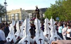 La Orquesta y Coro nacionales estrenan 'Los incensarios', basada en las sátiras de estas peculiares figuras cofrades lojeñas