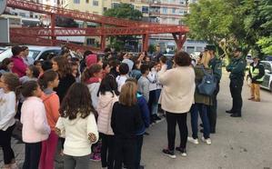 El incendio de una mesa camilla obliga a desalojar el colegio Pérez del Álamo