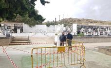 El Ayuntamiento de Loja acondiciona los tres cementerios municipales para el 1N