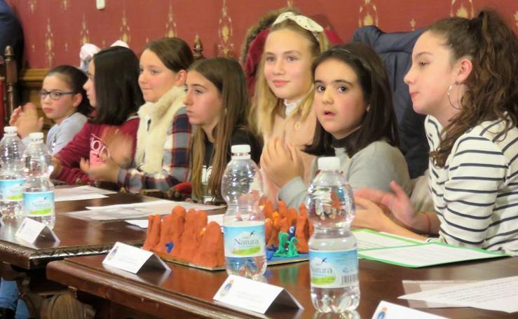 Jóvenes 'concejales' con interés arqueológico